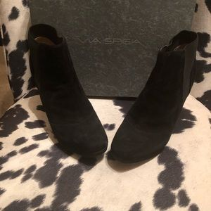 Via Spiga black suede booties never worn